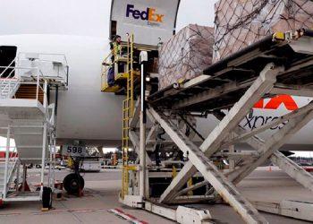 Puente aéreo agiliza envíos de insumos de emergencia