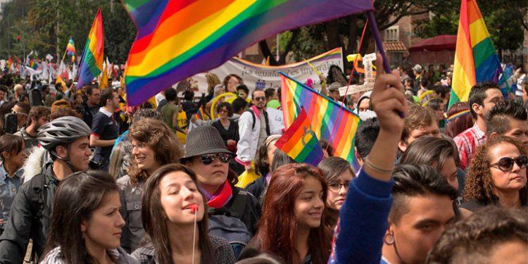 Corte Suprema de EEUU emite fallo histórico para proteger a trabajadores LGBT