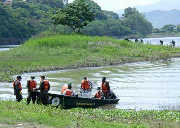 Fiscalía recolecta muestras por la supuesta contaminación del lago de Yojoa