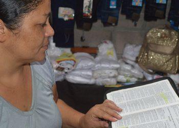 La lectura de la Biblia es un valioso recurso para aumentar la fe.
