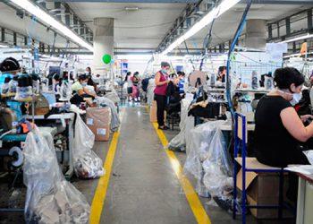 Empresario de la maquila Unas 40000 personas del rubro reinician operaciones