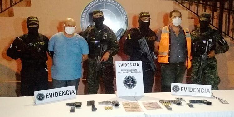 Dos mareros capturados por tráfico de armas