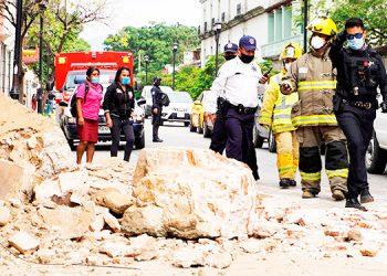 Aumentan a seis los muertos y a 500 casas dañadas por terremoto en México
