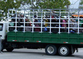 Luego de transitar por Sabanagrande, los migrantes fueron conducidos hacia el municipio de Santa Ana, Francisco Morazán, antes de decidirse hoy su destino.