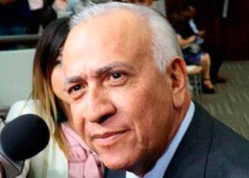 Mauricio Oliva: Sesión está al margen de la ley; Código ya entró en vigencia