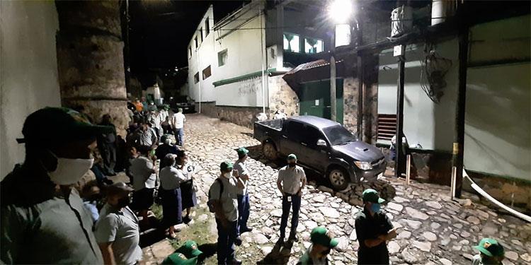 Durante negociaciones con el sindicato, la fábrica de aguardiente Yuscarán aceptó brindar varios beneficios exigidos por los trabajadores.