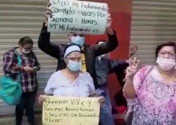 """""""Queremos nuestras tres diálisis a la semana, de cuatro horas cada una"""", demandan los pacientes renales."""