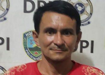 Tras ser arrestado Wilfredo López Rivera fue trasladado a una unidad policial y luego puesto a la orden del juzgado que ordenó su captura.