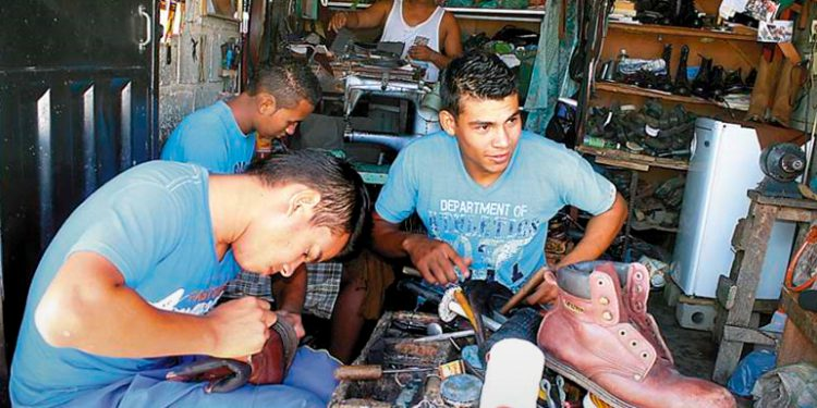 Unos 600 emprendedores de Honduras ofrecen productos en feria virtual
