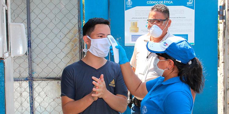 Santa Cruz de Yojoa: Empresa acuícola cumple con las medidas de bioseguridad