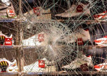 Disturbios en ciudad alemana dejan 20 detenidos y 4 heridos