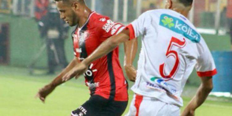 Duro revés para Alajuelense y Alex López en la final de ida de Costa Rica