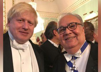 El primer ministro británico agradeció al embajador Iván Romero por el valioso obsequio y le mandó una carta.
