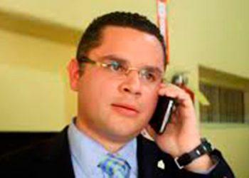 Jefe de bancada del PN: Lo actuado por diputados que se autoconvocaron es ilegal