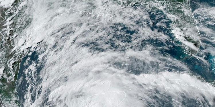 """Depresión tropical """"Tres"""" se forma en el Caribe mexicano con fuertes lluvias"""
