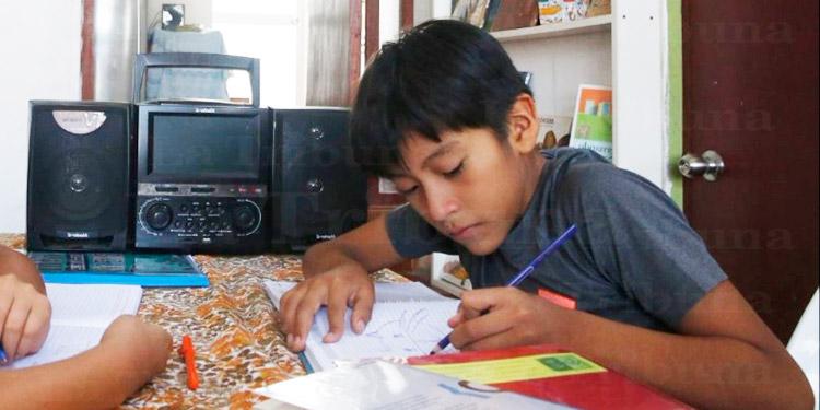 Lea el decreto para que televisoras y radios den una hora a la educación