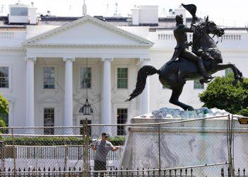 Trump firma decreto ejecutivo para proteger monumentos