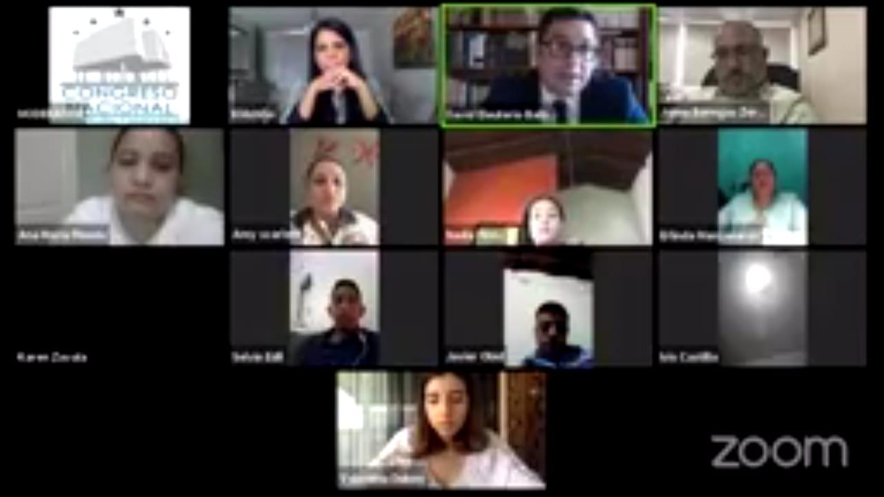 Más de 200 estudiantes de Derecho socializan nuevo Código Penal