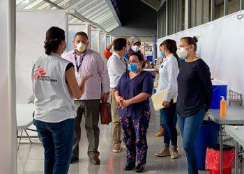 La comisión verificadora realizó distintas visitas a los hospitales a nivel nacional.