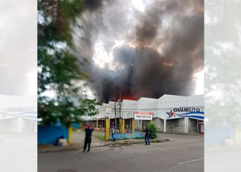 Se quema el mercado Guamilito en San Pedro Sula (Video)
