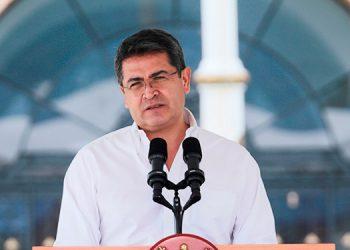 Hospital Militar: mejora estado de salud del presidente Hernández