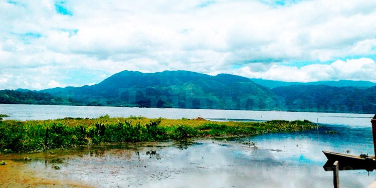 MP realiza recolección de muestras por supuesta contaminación en Lago de Yojoa