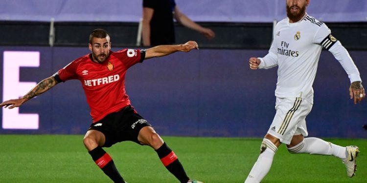 Real Madrid doblega al Mallorca y sigue líder