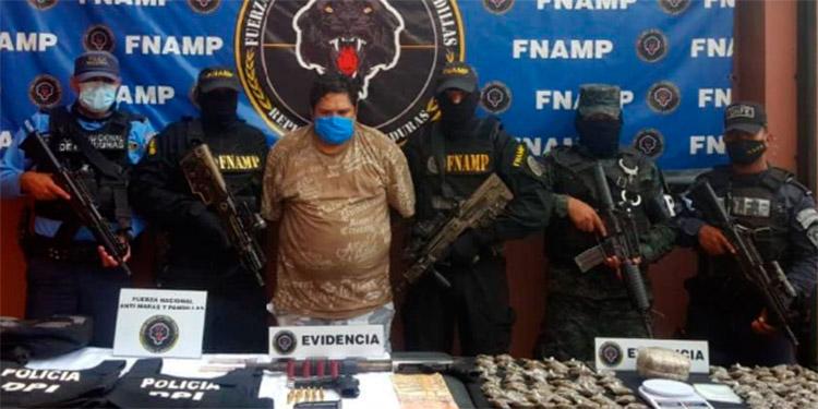 """Edward Joel Coello Silva, alias """"Danilo"""", cabecilla de la MS-13, fue capturado en una colonia residencial de San Lorenzo."""