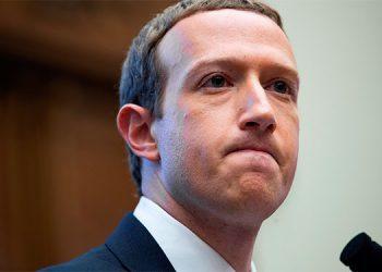 Empleados de Facebook se rebelan contra Zuckerberg y realizan un parón online