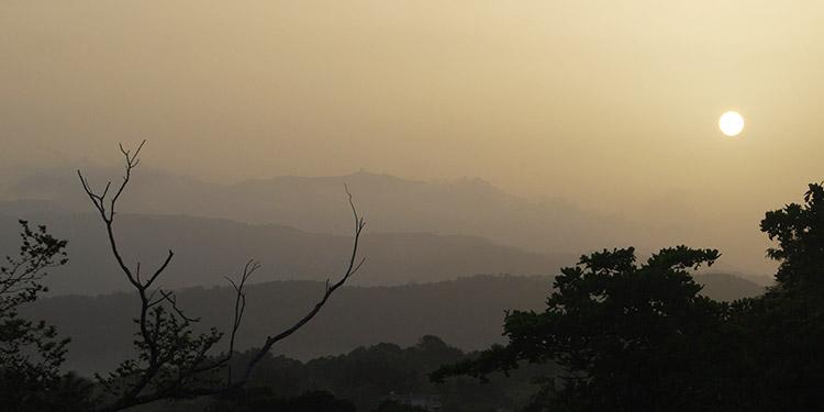 Expertos alertan por afectaciones en la salud por nube de polvo del Sahara