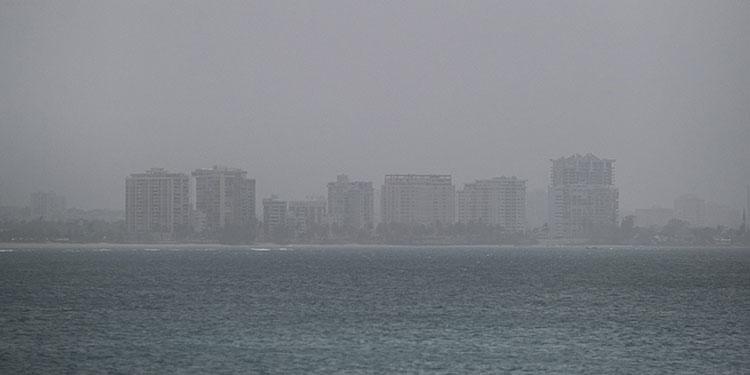 Polvo del Sahara cubrió Puerto Rico y afecta el aire en el sur de Florida