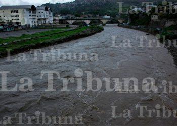 Fuertes lluvias provocan crecida del río Choluteca (Galería)