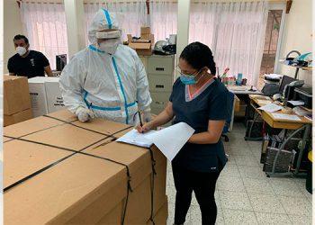 Gobierno continúa abastecimiento de insumos el hospital del Tórax