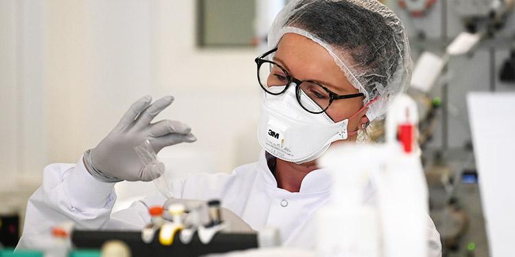 Laboratorio de Francia amplía su colaboración para conseguir vacuna contra COVID-19