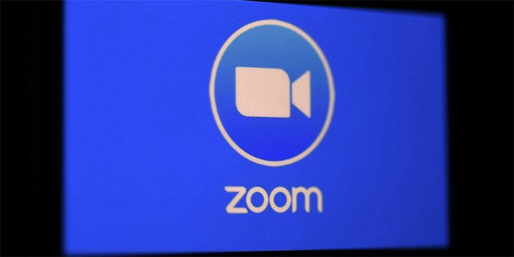 Zoom se pliega a las exigencias chinas y cierra algunas cuentas