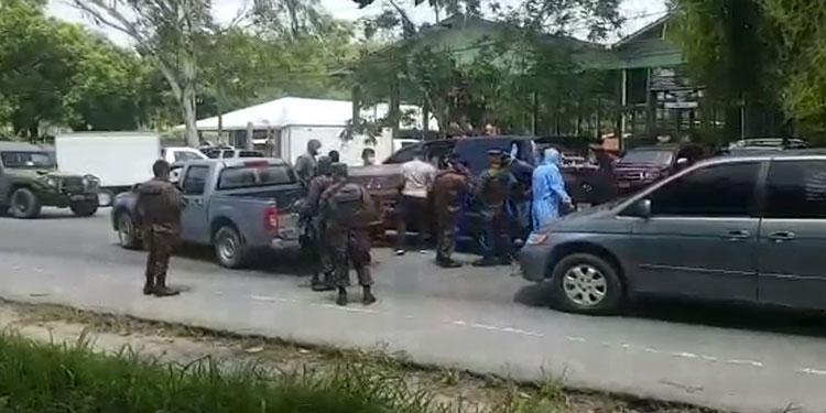Familiares arrebatan a militares cadáver de teniente coronel (r)