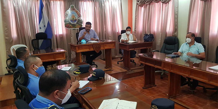Los nuevos jefes policiales conocieron en detalle la situación de Siguatepeque.