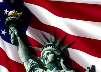 Las banderas estadounidenses se ven por doquier al acercarse el 4 de julio.