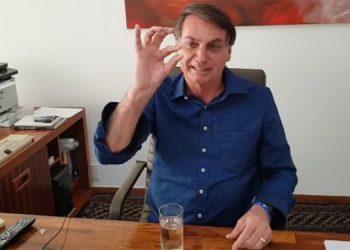 Bolsonaro divulga video tomando hidroxicloroquina