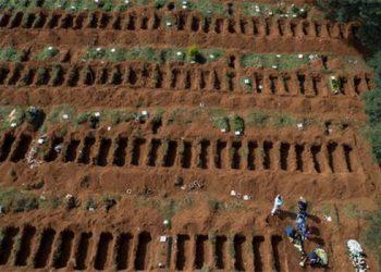 Los entierros han sido masivos en coronavirus