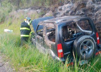 Atrapado por siniestro de vehículo fallece motorista