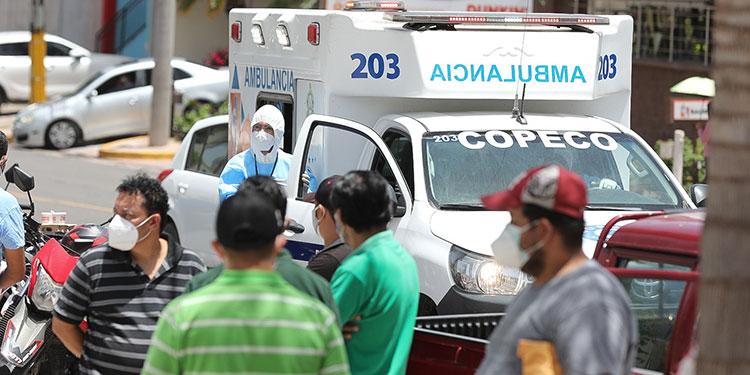 Centro de triaje del CCG registra 240 pacientes en menos de 24 horas de funcionamiento.