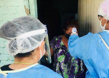 Ocho equipos médicos de trabajo se han desplazado por barrios y colonias de la ciudad de Choluteca, comenzando por La Libertad.