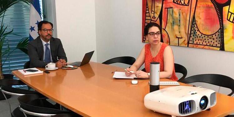 Honduras busca asegurar acceso a la vacuna en Ginebra Suiza