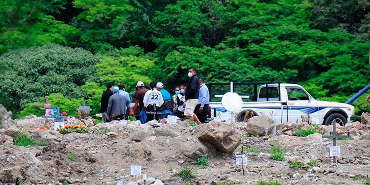 En salas de COVID-19 mueren 13 hondureños