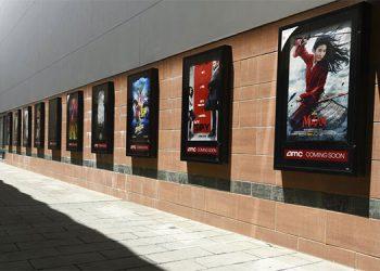 Cines imploran grandes estrenos a los estudios