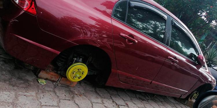 """Banda de mozalbetes """"desbanca"""" vehículos en Hato de Enmedio"""