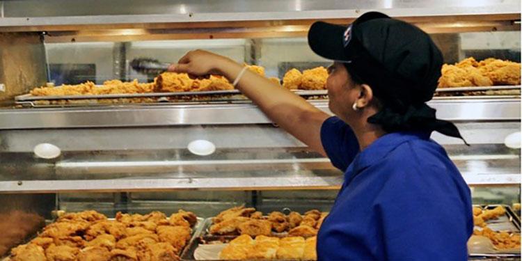 """Celebran el """"Día del pollo frito"""" en Honduras"""