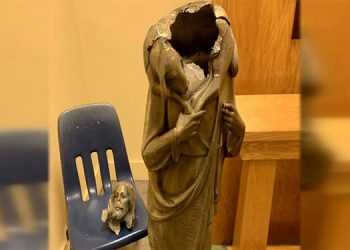 Decapitan estatua de Jesucristo en iglesia en sur de Florida
