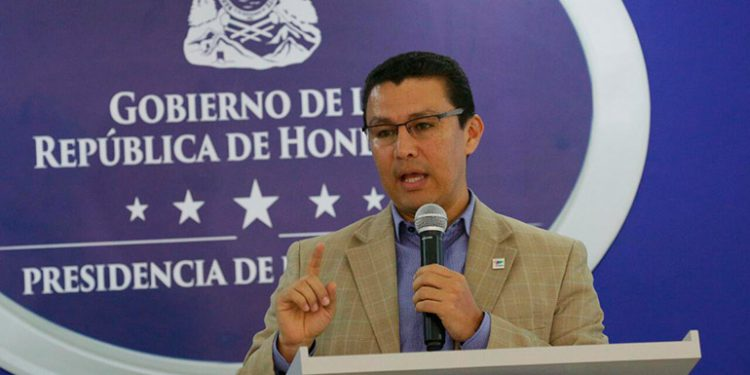Ebal Díaz: Honduras podría regresar a la primera fase de la reapertura